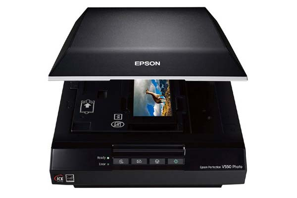 Epson V550 Perfection Image, Color Photo, Negative, Film, & Document Scanner with resolution fo 6400 dpi (B11B210201)