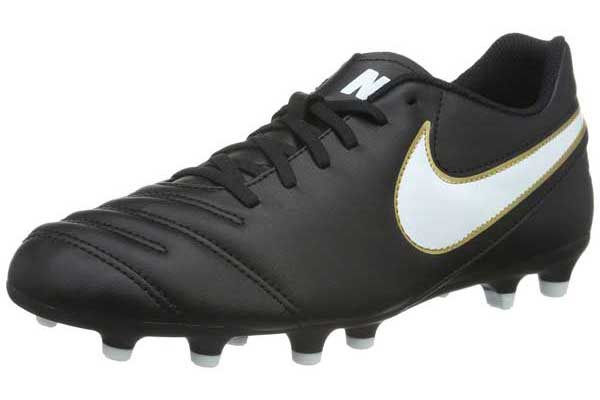 e90c0b275 Top 10 Best Soccer Shoes For Wide Feet Reviews