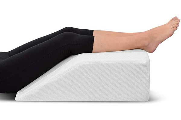 Leg Elevation Pillow – with Memory